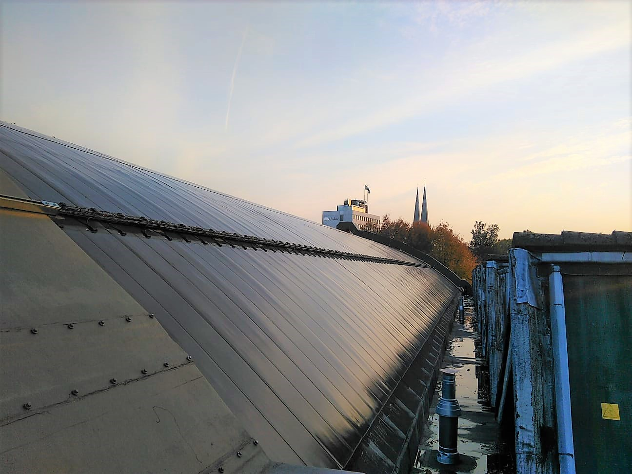 eFlex on the curved roof of a historical building